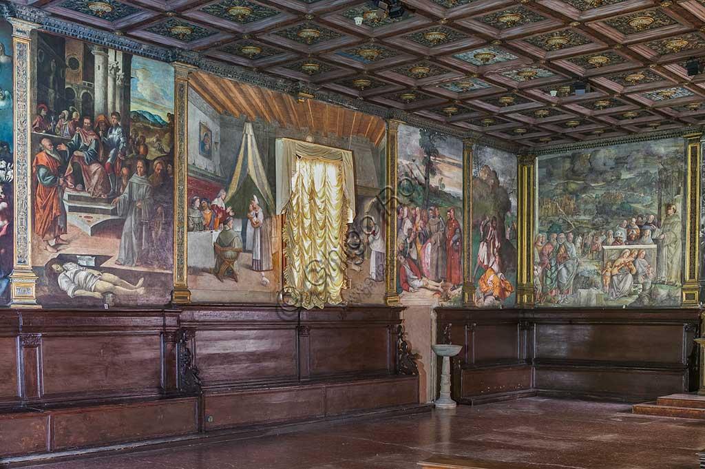 Padova, Basilica di Sant'Antonio o del Santo, Scuola del Santo, Salone: veduta della parete est e di parte di quella sud.
