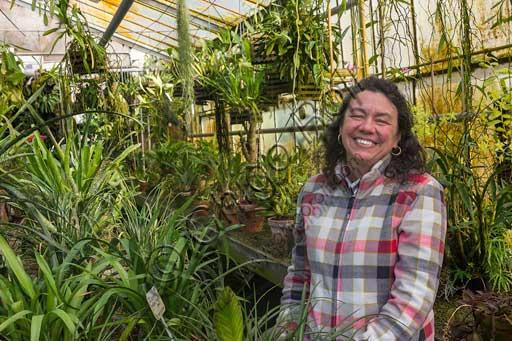 Padova, l'Orto Botanico: la d.ssa Maria Cristina Villani, botanico dell'Orto, nella serra tropicale.