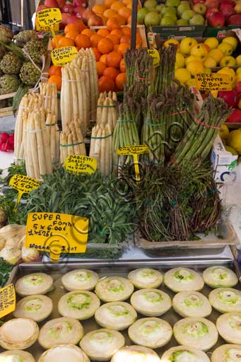 Padua, Piazza delle Erbe: fruit and vegetables (artichokes, asparagus, etc) sold at one of the market stands.
