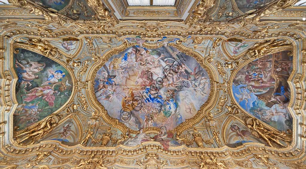 Palazzo Carrega-Cataldi (in origine Tobia Pallavicino): la Galleria, con affreschi rococò di Lorenzo De Ferrari (1740-44). Nella volta: l'Olimpo. Nelle mezzelune: storie di Enea.