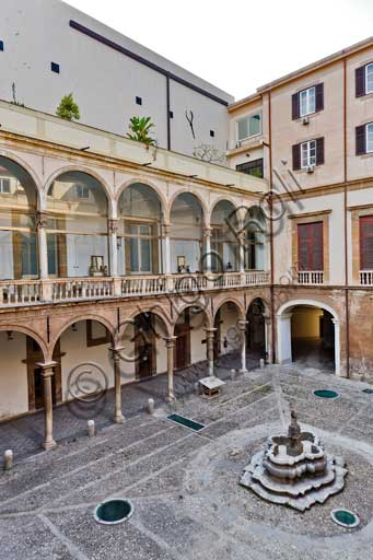 Palermo, The Royal Palace or Palazzo dei Normanni (Palace of the Normans), The Fountain Courtyard: view.