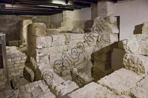 Palermo, The Royal Palace or Palazzo dei Normanni (Palace of the Normans), the Montalto room, the basements: hypogea of the Montalto Torrione hall and the Hellenistic city gate (II century BC) leaning against the Punic wall ( V century BC).