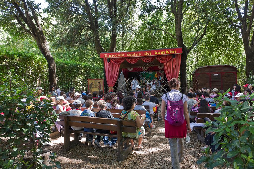Parco di Pinocchio: il Teatro dei Burattini per i bambini.