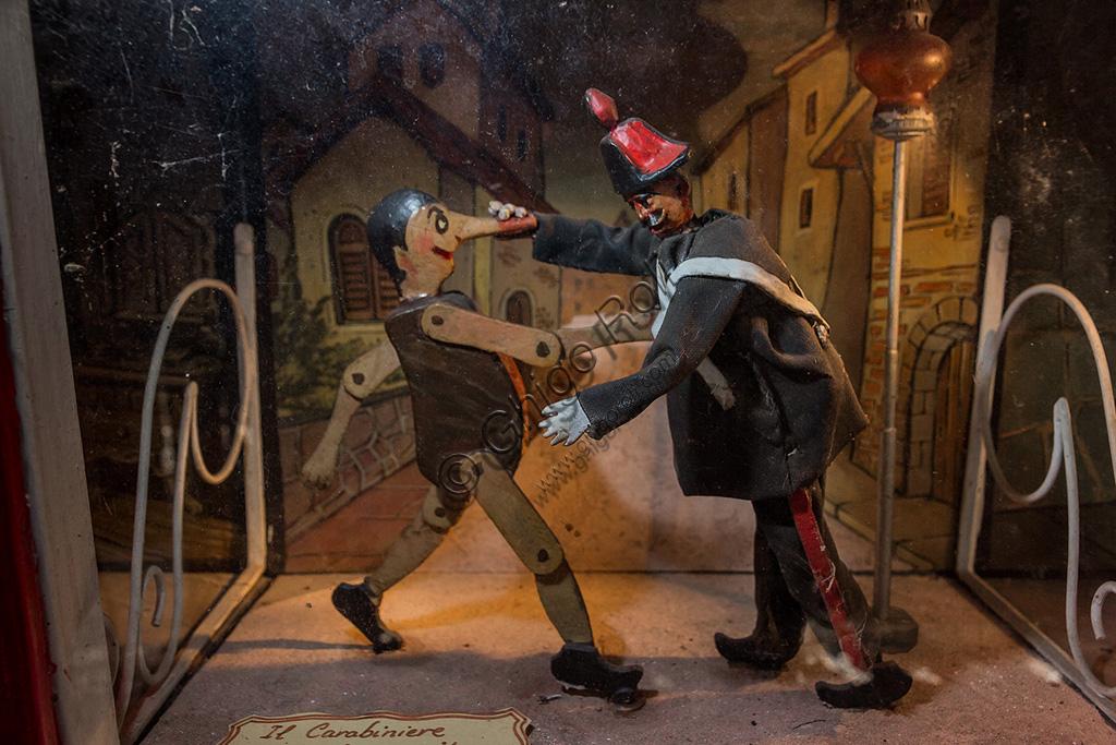 Parco di Pinocchio, il Teatro Meccanico: Pinocchio e il Carabiniere.