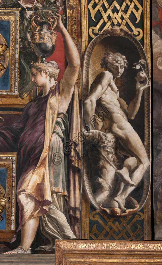 Parma, Church of St. Maria della Steccata, arch of the eastern arm of the transept: frescoes by Girolamo Francesco Maria Mazzola, known as Parmigianino, with caryatids which refer to the legend of the Wise Virgins and the Mad Virgins (1530-39). Detail.
