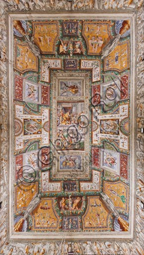 Parma, San Secondo, Rocca dei Rossi: the ceiling of the Sala delle Gesta Rossiane. At the center : Pier Maria Rossi  having the honor of the Order of Saint Michael. Frescoes by Cesare Baglione, Jacopo Bertoia and others, around 1570.