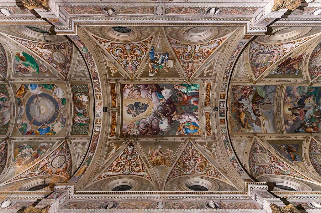 """Cremona, Chiesa di San Sigismondo, volta della navata centrale: in alto, """"Pentecoste e Profeti"""" di Giulio Campi (1559); al centro """"Ascensione"""" di Bernardino Gatti, detto Sojaro (1549)."""