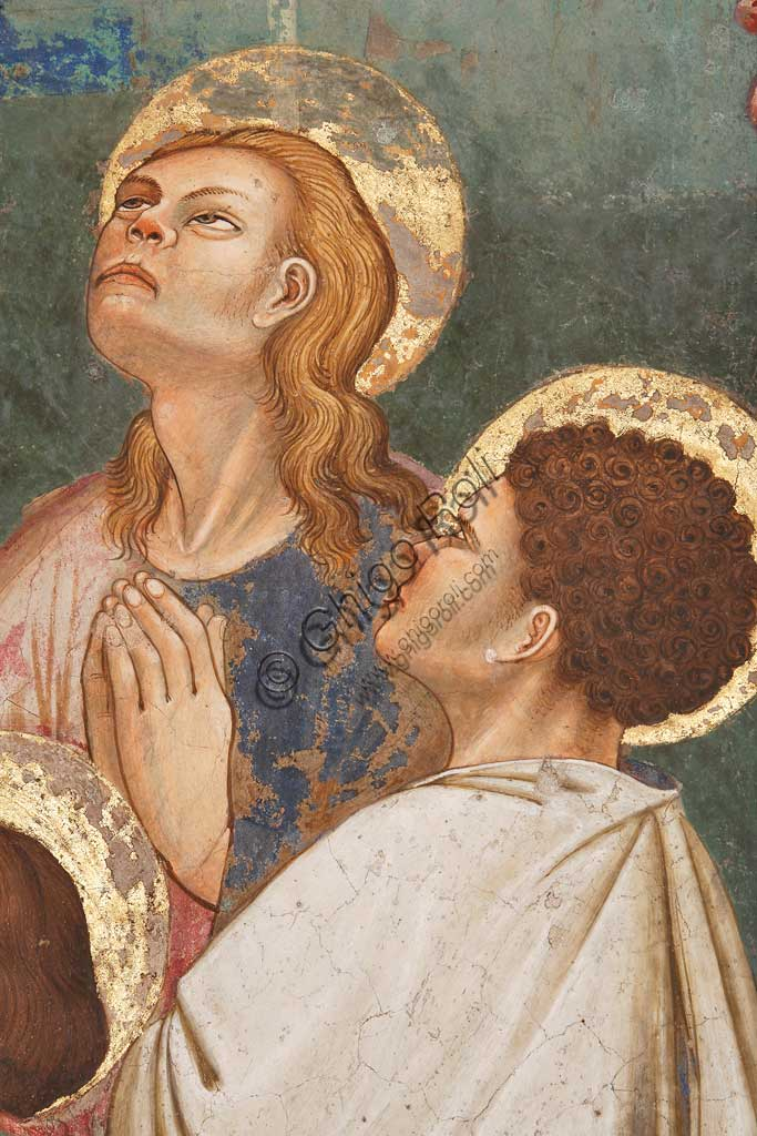 """Rocca di Vignola, Cappella Contrari, parete Ovest """"Pentecoste"""", affresco del Maestro di Vignola, anni Venti del Quattrocento. Particolare con due santi in preghiera."""