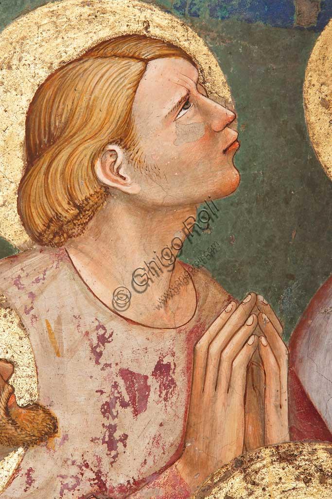 """Rocca di Vignola, Cappella Contrari, parete Ovest """"Pentecoste"""", affresco del Maestro di Vignola, anni Venti del Quattrocento. Particolare con santo in preghiera."""