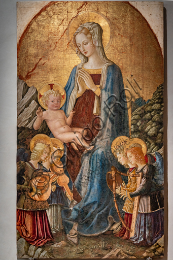 Perugia, Galleria Nazionale dell'Umbria: Madonna si S. Domenico, di Benedetto Bonfigli,1448-9, tempera e olio (?) su tavola.