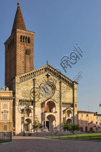 Piacenza, the Cathedral (Duomo) and the Episcopal Palace.