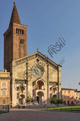 Piacenza: il Duomo e il Palazzo Vescovile.