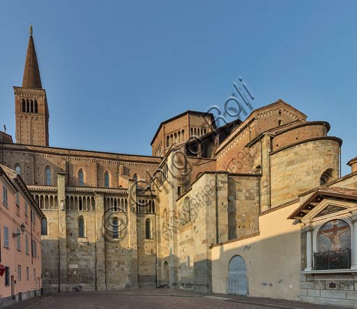 Piacenza, the Cathedral (Duomo): the Southern side.