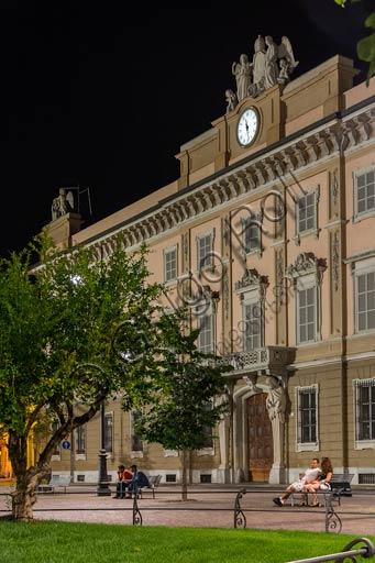 Piacenza, the Episcopal Palace: night view of the façade.