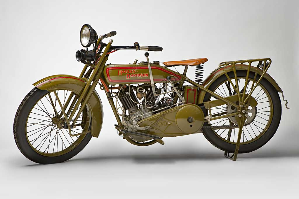 Ancient Motorbike Harley-Davidson 22 JD