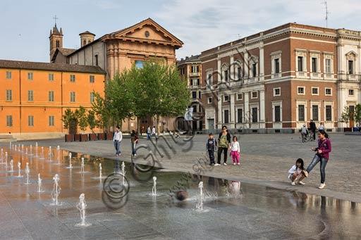 Reggio Emilia: Martiri del 7 luglio Square.