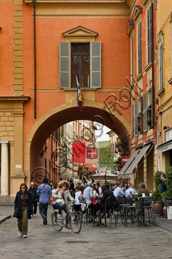 Reggio Emilia, Prampolini Square: partial view with a part of the town hall façade.
