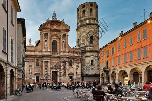 Reggio Emilia, San Prospero Square : the Basilica of S. Prospero (Reggio Emilia patron saint) and the octagonal bell tower.