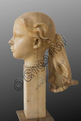 """Piacenza, Galleria Ricci Oddi:   """"Ritratto di Julia Alberta Planet"""" (1918), marmo di Adolfo Wildt (1868 - 1931)."""