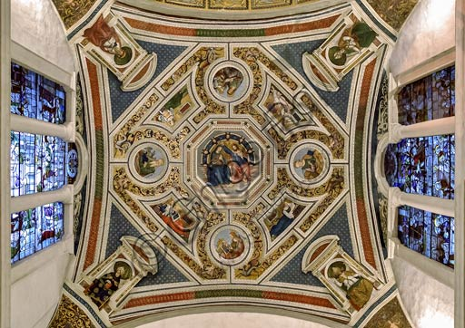 """Rome, Basilica of St. Maria del Popolo, Vault of the Choir:  frescoes (1505 - 1510) by Pinturicchio (Bernardino di Betto). At the centre """"Coronation of the Virgin Mary"""", surrounded by the Four Evangelists and Four Sybils; in the pendentives the Doctors of the Church"""