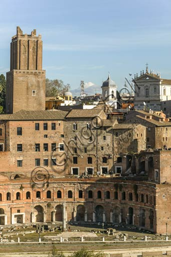 """Rome, Trajan's Market (Mercatus Traiani): view of the """"Emiciclo"""" and the """"Torre delle Milizie"""" (""""Tower of the Militia"""")."""