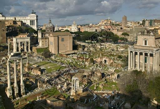 Rome, Roman Forum: view.Lower left: Dioskouri Temple.Lower centre: Vesta Temple.Right: Antoninus and Faustina Temple (San Lorenzo in Miranda church.