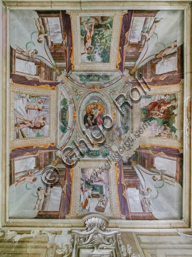 Sala Baganza (Parma), Rocca Sanvitale, Room of Hercules: view of the vault with frescoes depicting stories of Hercules, by Orazio Samacchini (maybe Bernardino Campi), 1564 - 1565.