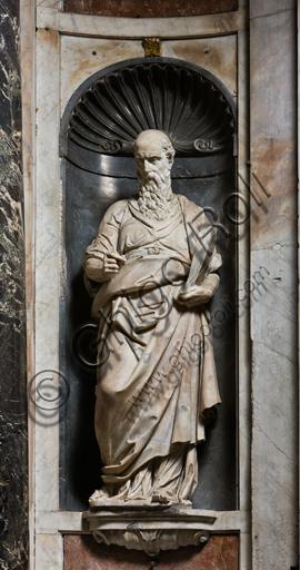 """Genova, Duomo (Cattedrale di S. Lorenzo),  interno, Cappella Senarega o di Nostra Signora del Soccorso (abside meridionale):  """"San Luca"""", statua di P. Francavilla (1593)."""
