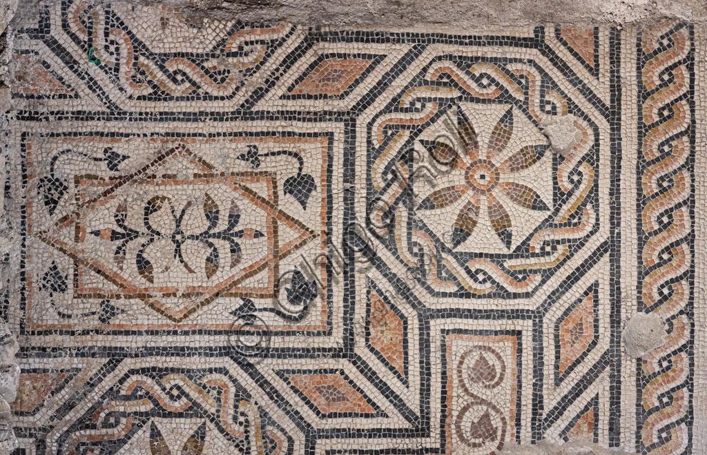 """Brescia, """"Santa Giulia, Museo della Città"""" (sito Unesco dal 2011): mosaico."""