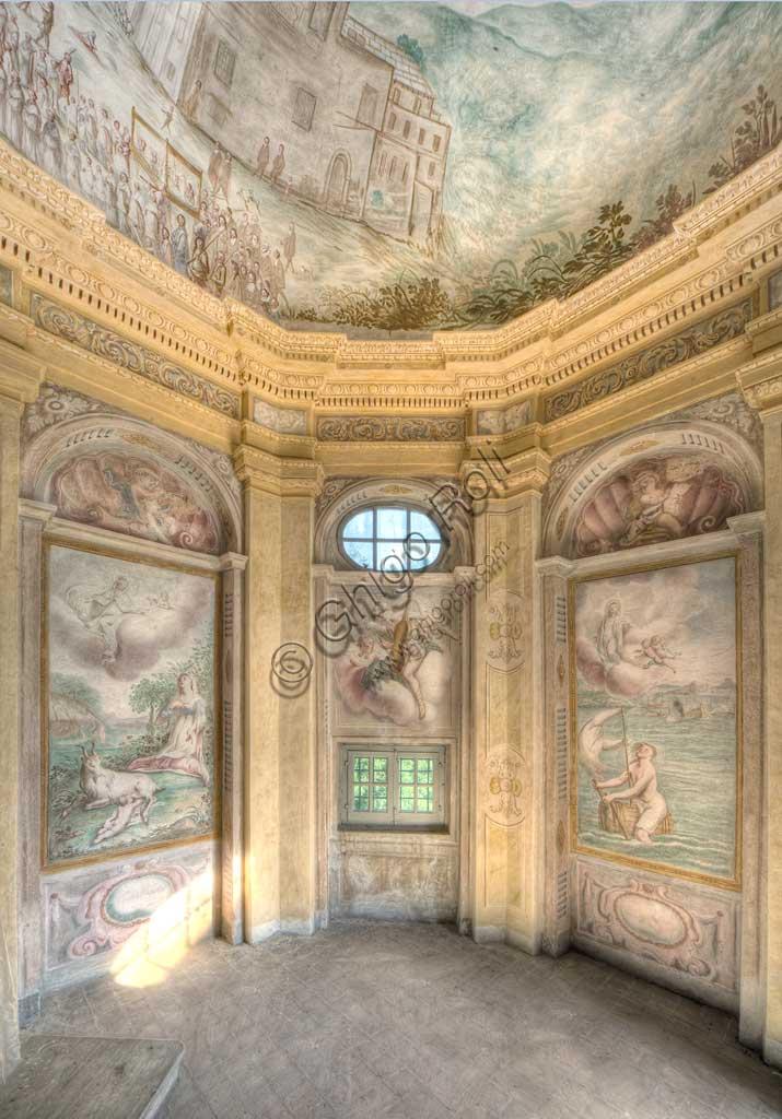 Savona,  Località Santuario, Santuario di Nostra Signora Madonna della Misericordia: the Chapel of Crocetta. The vault is frescoed with a bird-eye perspective of the Sanctuary. Frescoes by Bartolomeo Guidobono ed Enrico Haffner, 1679 - 1680.