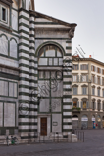 """Florence, the Baptistery of St. John, exterior: the Northern side of the """"Scarsella""""."""