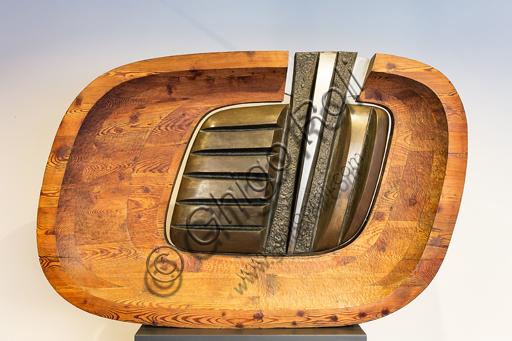 """Museo Novecento: """"Scultura n. 4 - 65"""", di Marcello Guasti, 1965. Bronzo, alluminio e legno."""