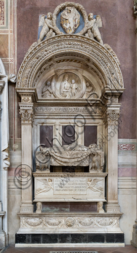"Basilica of the Holy Cross, right aisle: ""Sepulchre of Leonardo Bruni"", by Bernardo Rossellino (1444-5)."
