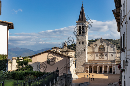 Spoleto: the square of the Duomo (Cathedral of S. Maria Assunta).