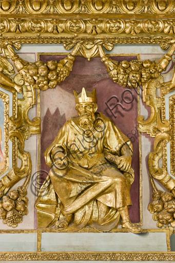 """Genova, Duomo (Cattedrale di S. Lorenzo), interno, tribuna del presbiterio: """"Statua di Re Salomone"""", 1622-4, di Lazzaro Tavarone."""