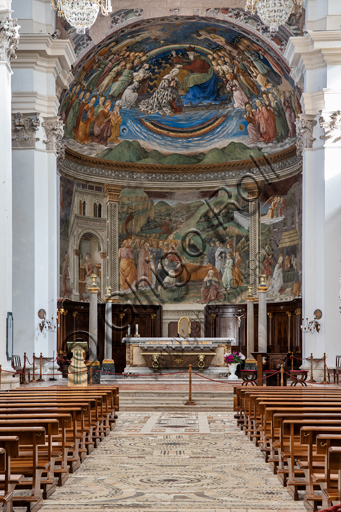 """Spoleto, the Duomo (Cathedral of S. Maria Assunta): view of the nave and presbytery  (the bowl shaped vault and the tholobate) with the """"Stories of the Virgin"""", frescoes by Filippo Lippi, helped by Fra' Diamante and Pier Matteo d'Amelia, 1468-9."""