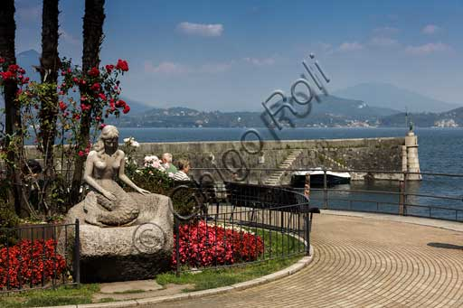 """Stresa: the lakefront with the statue """"The Mermaid""""."""