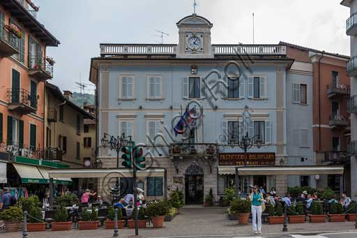 Stresa: the square of the town hall and Caffé Bolongaro (historical pastry shop).