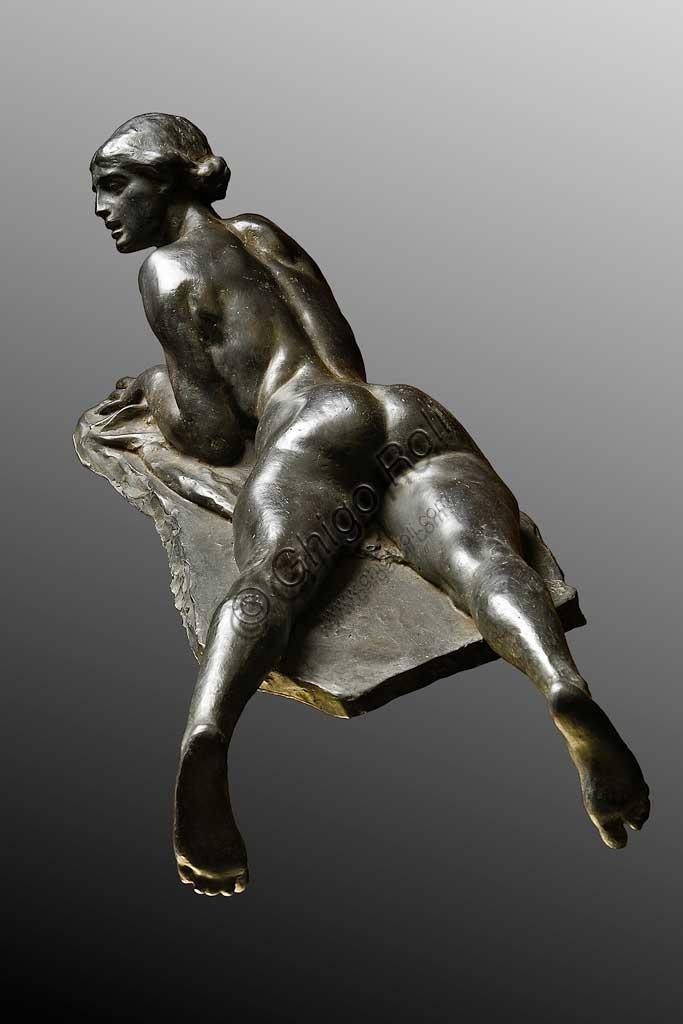 """Collezione Assicoop Unipol: Giuseppe Graziosi, """"Contadina con maiale"""", bronzo."""