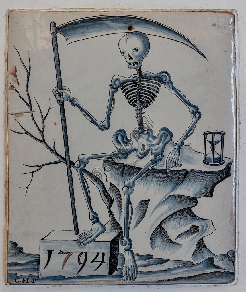 "Deruta, Regional Ceramics Museum of Deruta: ""Plaque with allegory of death"", majolica, Deruta Giovanni Meazzi, 1794."