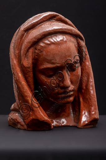"Collezione Assicoop - Unipol: Arrigo Minerbi (Ferrara 1881-1960); ""Testa femminile con velo""; terracotta invetriata, cm 34x26x26."