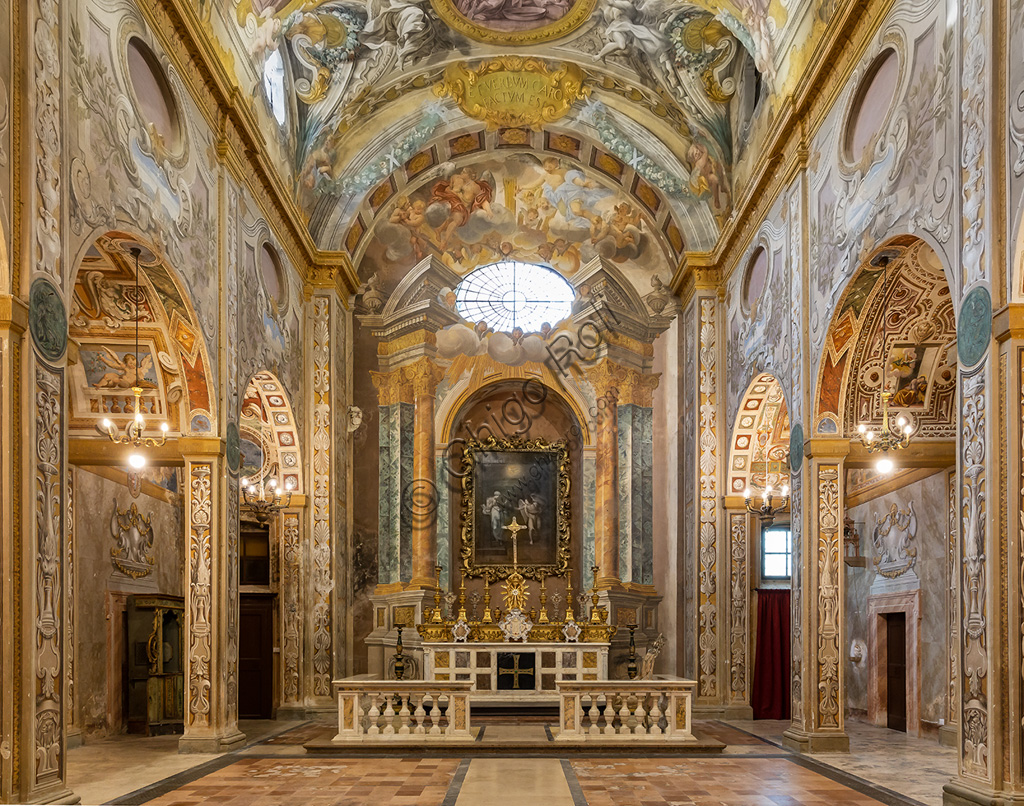 Todi, the Church of Nunziatina: view of the interior which is all frescoed and the main altar.