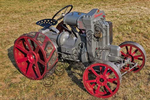 Old Tractor.Make: HürlimannModel: 1 K 8Year: 1929Fuel: GasolineNumber of Cylinders: 1Displacement: 850 ccHorse Power: 8 HPCharacteristics: Bernard engine,  it cost a lot (3,750 Swiss francs).