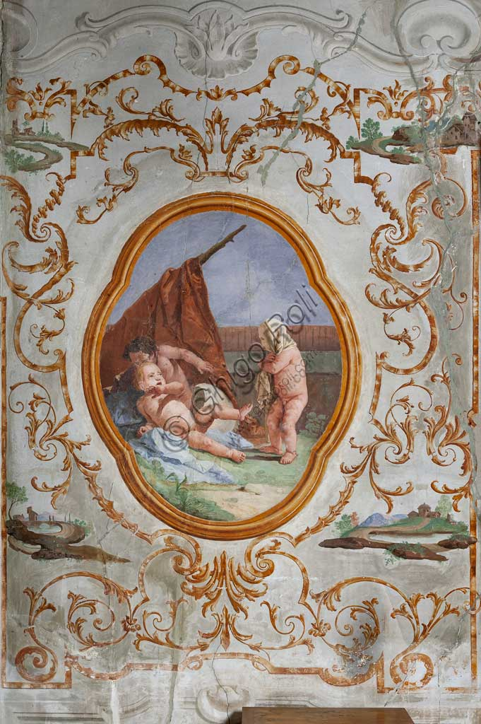 "Vicenza, Villa Valmarana ai Nani, Guest Lodgings, the Room of the Putti, medallion with putti: ""The Disguise"". Frescoes by Giandomenico Tiepolo, 1757."