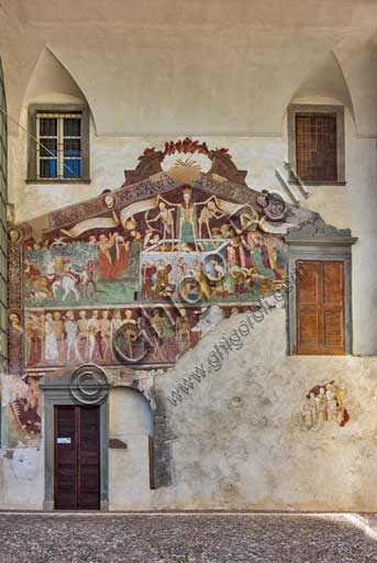 Clusone, Oratory of Disciplini or St. Bernardino, façade: frescoes with the Triumph of Death on the top and a Dance of Death (Macabre Dance) in the lower register (1485). All the frescoes are by Giacomo Borlone De Buschis.