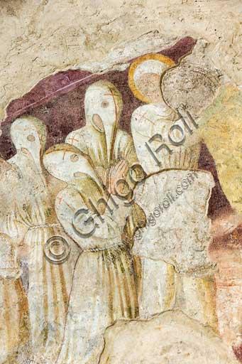 """Clusone, Oratorio dei Disciplini o di San Bernardino, facciata: affreschi  """"Trionfo della Morte"""" (parte alta) e """"Danza Macabra"""" (parte bassa), 1485. Opera dell'artista clusonese Giacomo Borlone De Buschis.Dettaglio con appartenenti alla Confraternita dei Disciplini."""