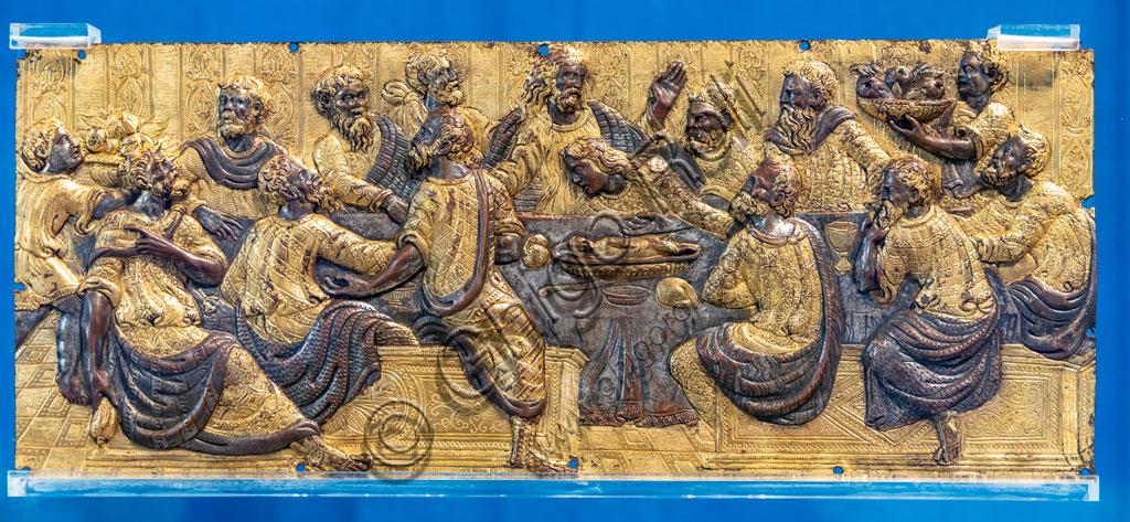 "Brescia, Pinacoteca Tosio Martinengo: ""Last Supper"", by Master from Emilia, gilded chiselled bronze, 1540 - 1560."