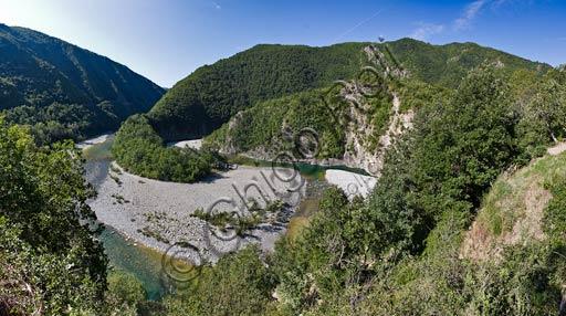 Val Trebbia: meandri del fiume Trebbia.