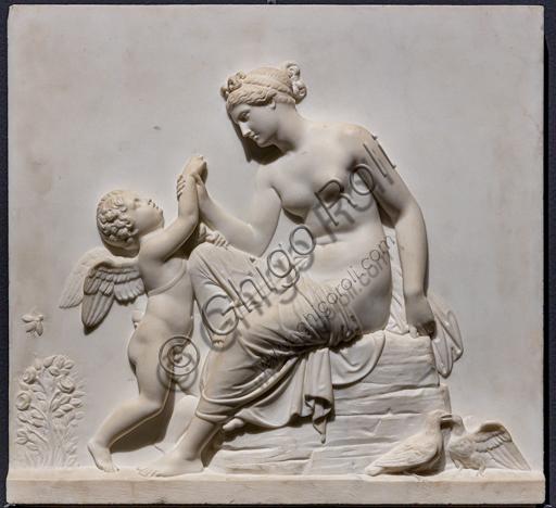 """""""Venere consola Amore punto da un'ape"""", ante 1827, di Bertel Thorvaldsen (1770 - 1844),  marmo di Carrara."""