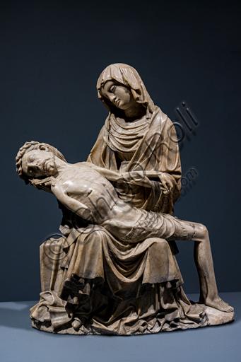 """""""Vesperbild"""" (Pietà), scultura in alabastro, del Maestro di Rimini, 1430 circa."""